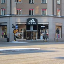 adidas outlet stockholm öppettider