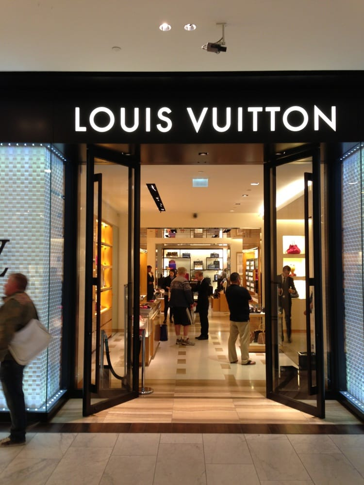 Louis Vuitton   Winkelen   Dam 1, De Wallen, Amsterdam, Noord Holland   Yelp
