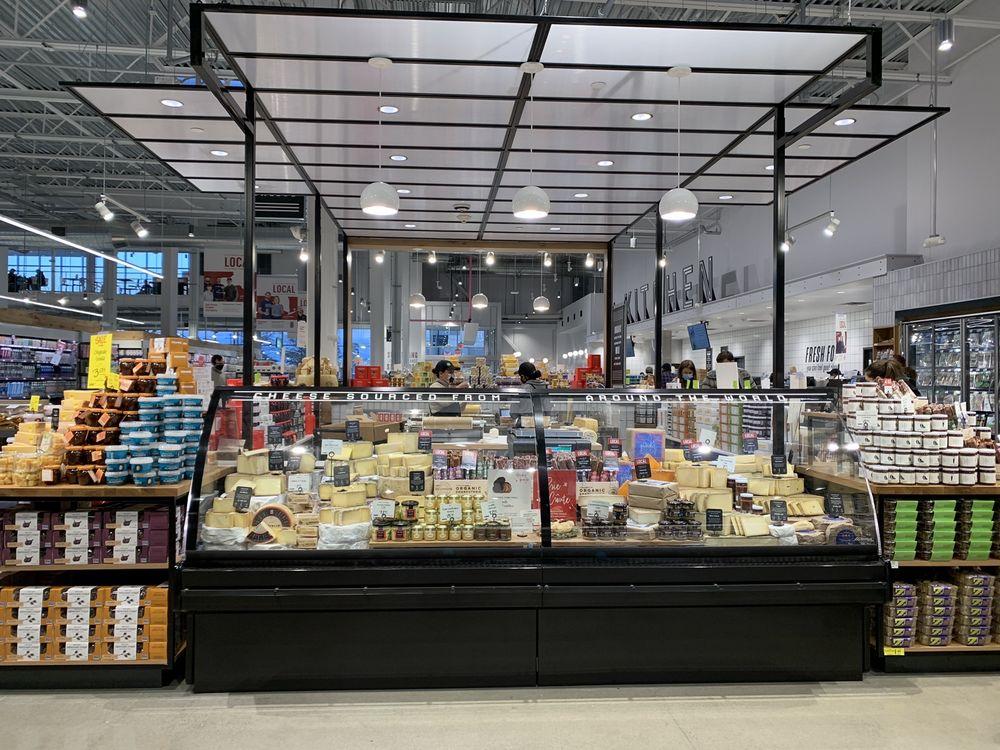 Whole Foods Market: 867 E Gate Blvd, Garden City, NY