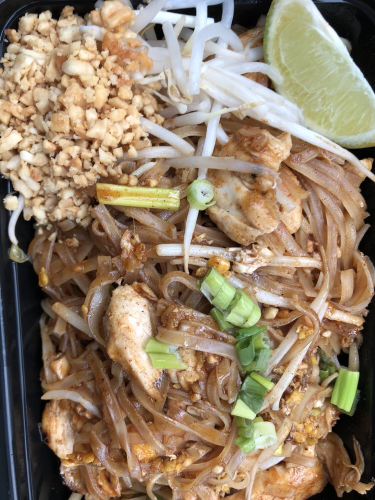 Ekkalak Thai Cuisine: 136 Simsbury Rd, Avon, CT