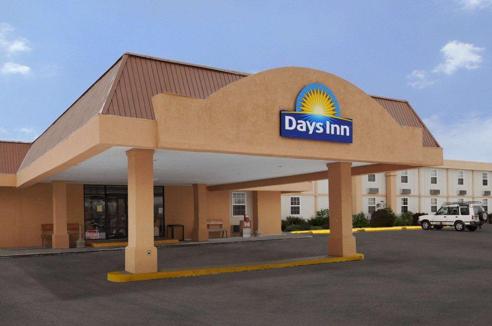 Days Inn by Wyndham Conneaut: 600 Days Blvd, Conneaut, OH