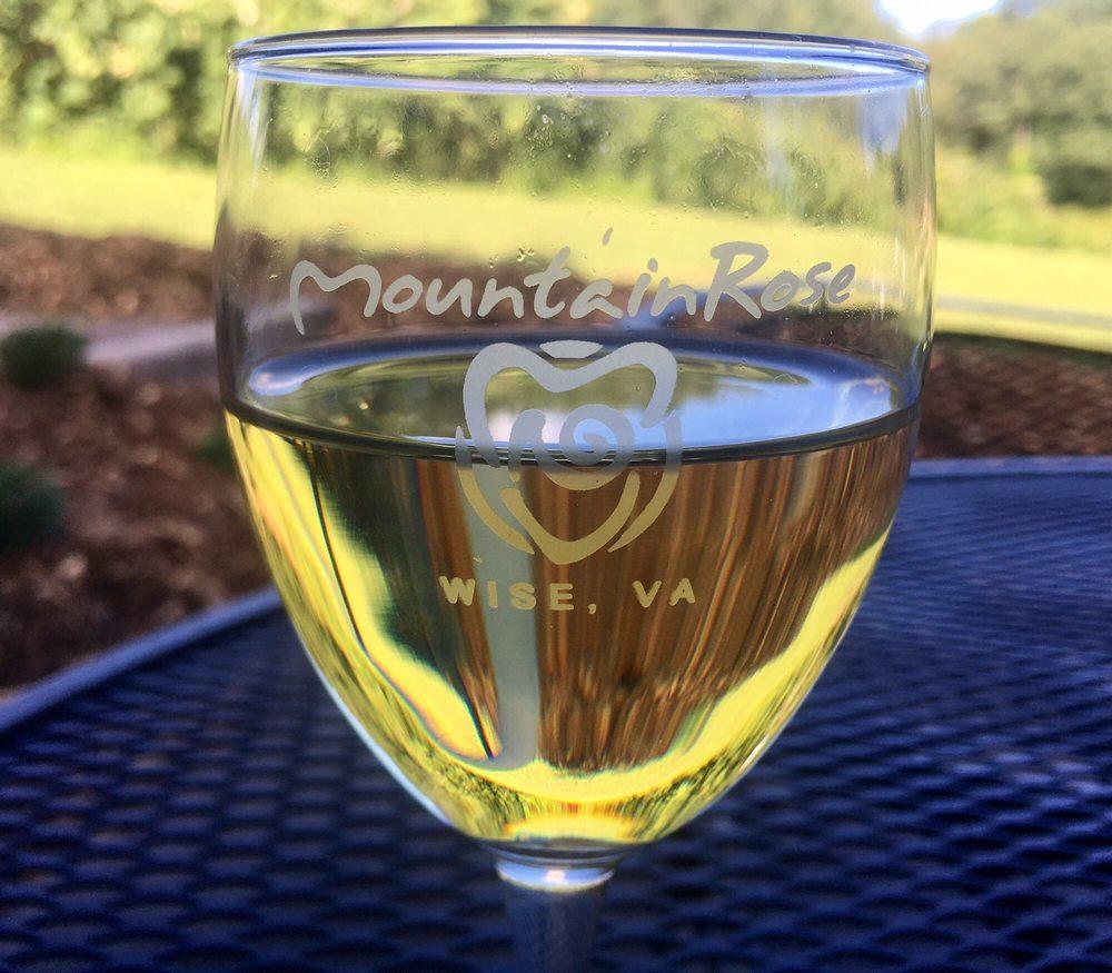 MountainRose Vineyards: 10439 N Reservoir Rd, Wise, VA