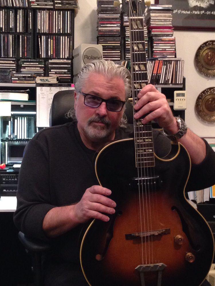 Frank J Rumoro Jazz Guitar Academy: 410 S Michigan Ave, Chicago, IL
