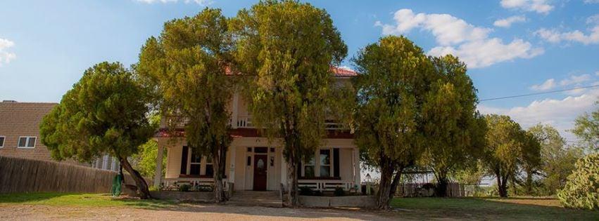 Lazy T Lodge: 202 College St, Throckmorton, TX
