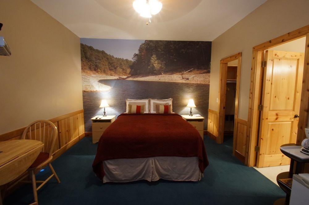 Terrapin Peak Bed, Breakfast & Beyond: 20965 W 921st Rd, Cookson, OK
