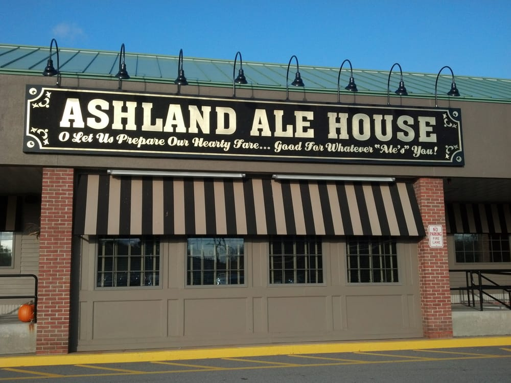 Ale House Deerfield Beach: Ashland Ale House Entrance.