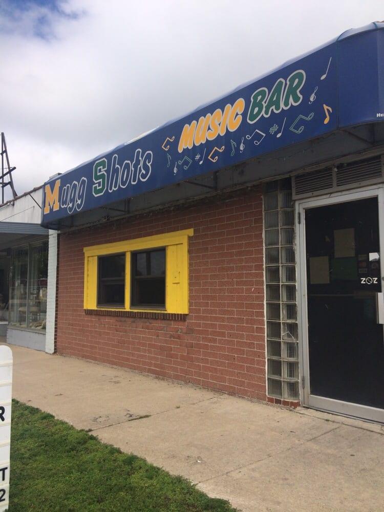 Mugg Shots Music Bar: 213 N Huron Rd, Au Gres, MI