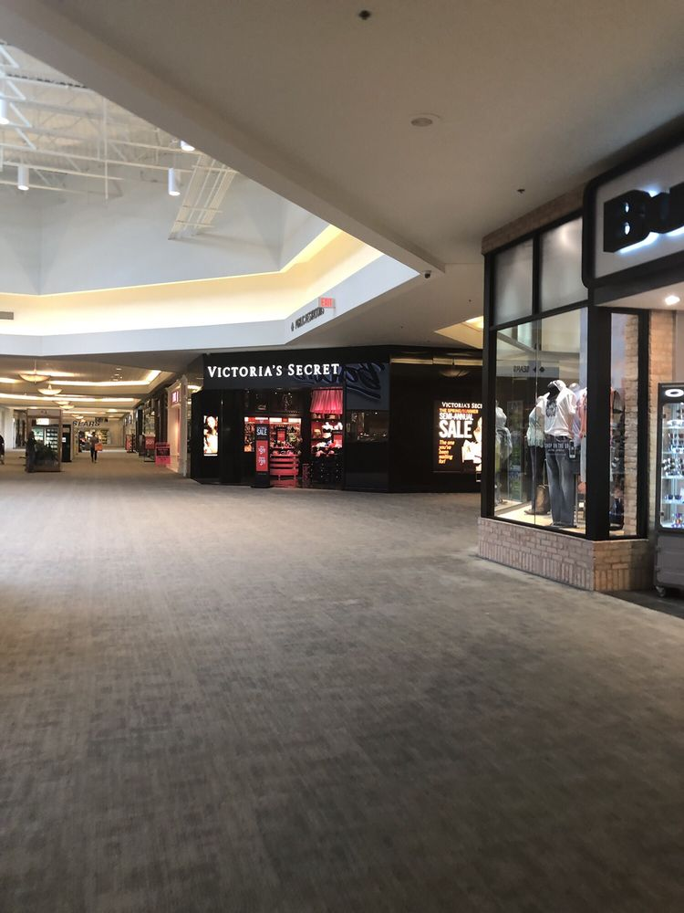 Victoria's Secret 1046: 67800 Mall Ring Rd, Saint Clairsville, OH