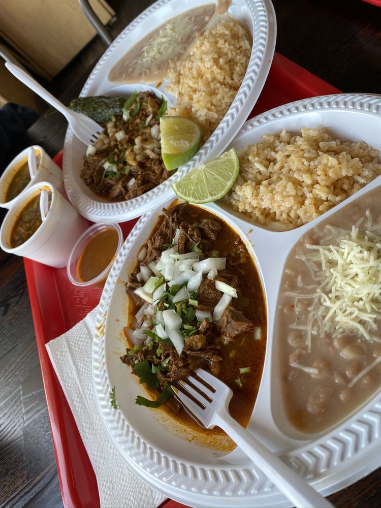 Food from Tacos El Goloso