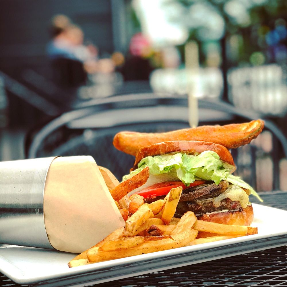 Citizen Burger Bar Carytown: 2907 W Cary St, Richmond, VA