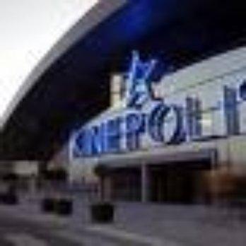 Kin polis cines cortijo de piedrahita granada for Sala 8 kinepolis