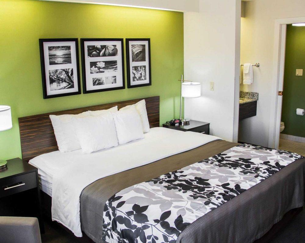Sleep Inn & Suites: 303 23rd St, Columbus, NE