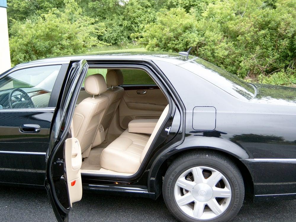 Bella Luxury Limousine: Allentown, PA