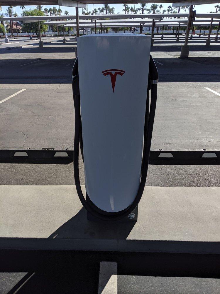 Tesla Supercharger: 71800 CA-111, Rancho Mirage, CA