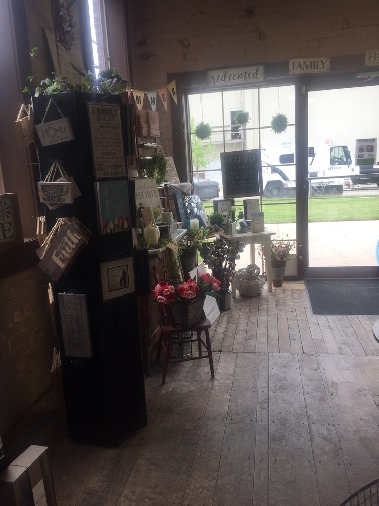 Light of Grace Book & Gift Store: 401 E Market St, Nappanee, IN