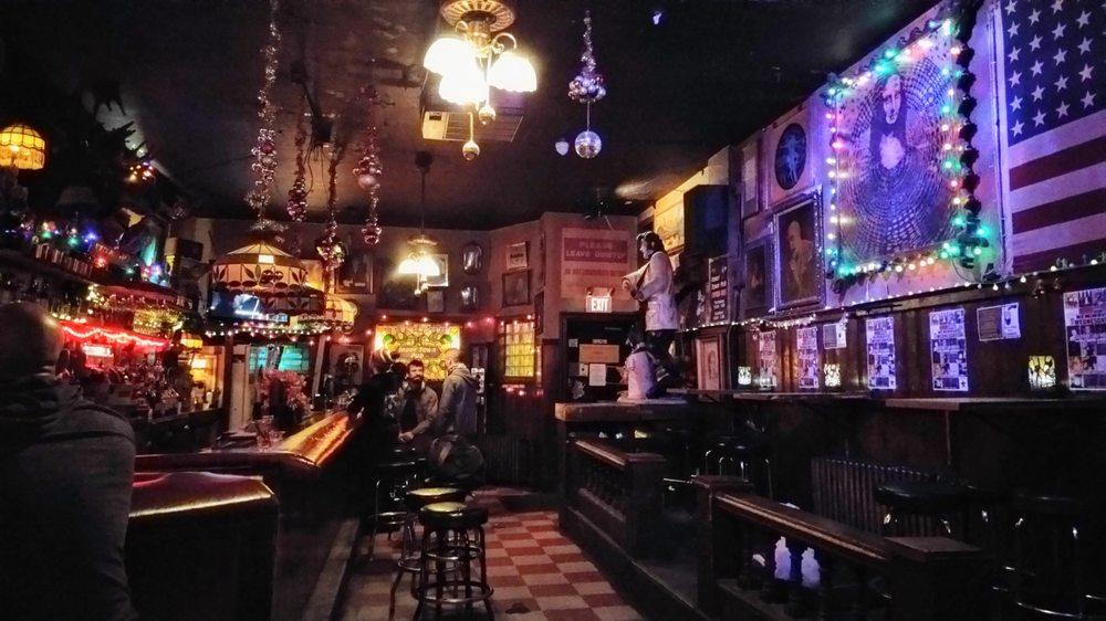 Innertown Pub: 1935 W Thomas St, Chicago, IL