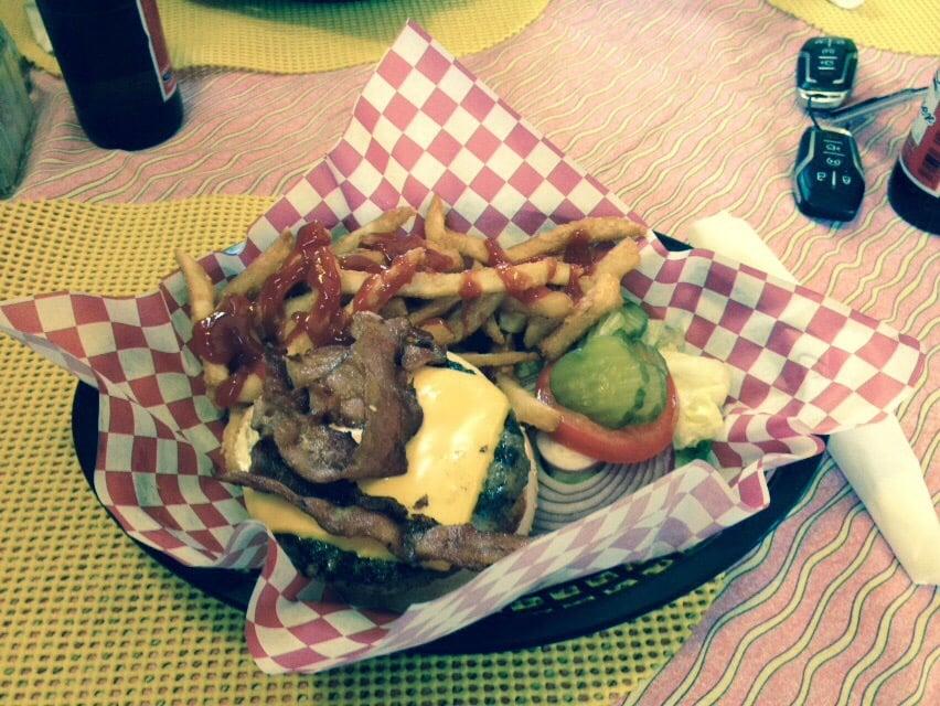 Toiyabe Cafe: 150 Main St, Austin, NV