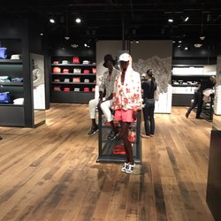 moncler outlet sawgrass