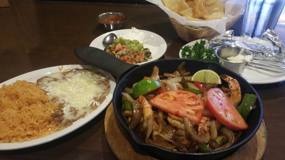 Tonight i 39 m having shrimp fajitas yelp for Restaurant o jardin