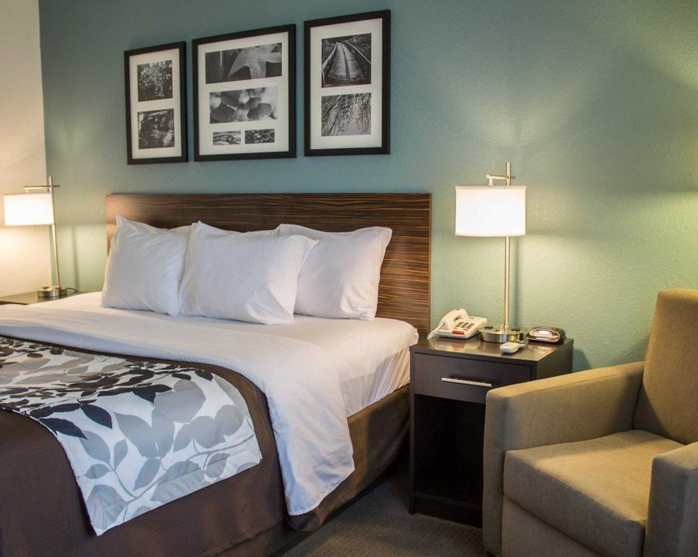 Sleep Inn & Suites: 2307 Southgate Pkwy, Cambridge, OH