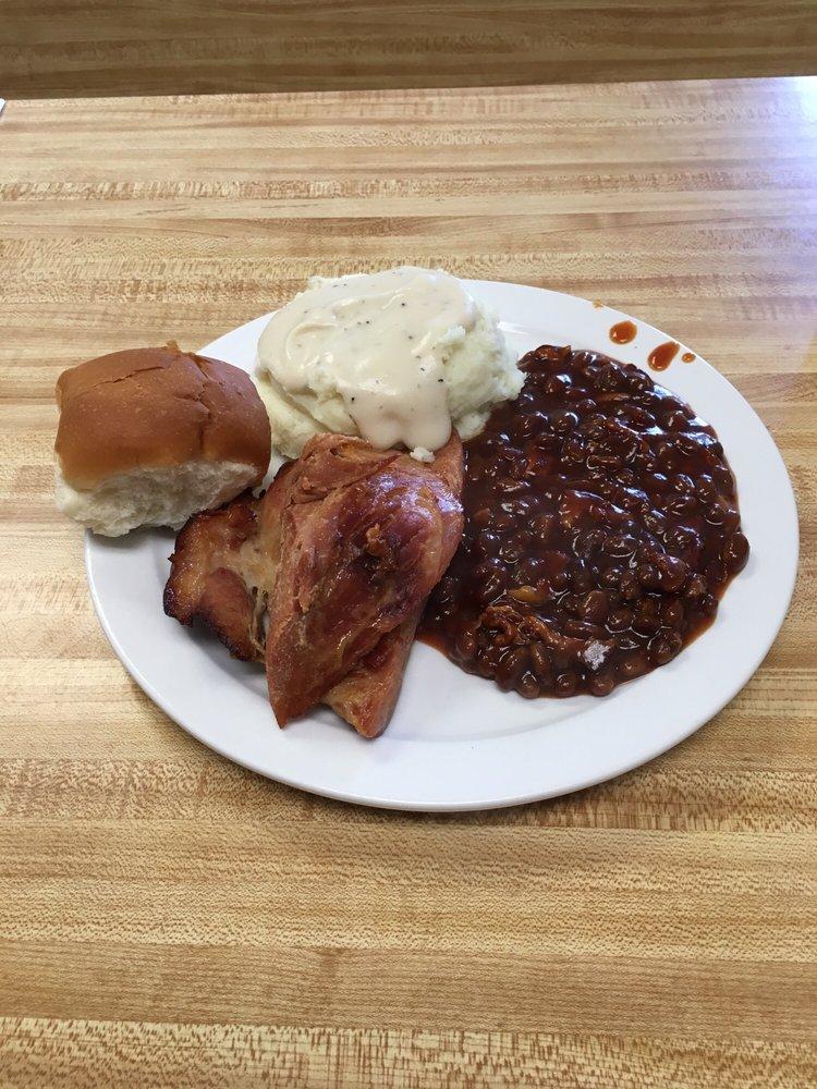 Shirley's Diner: 142 E 2nd St, Winner, SD