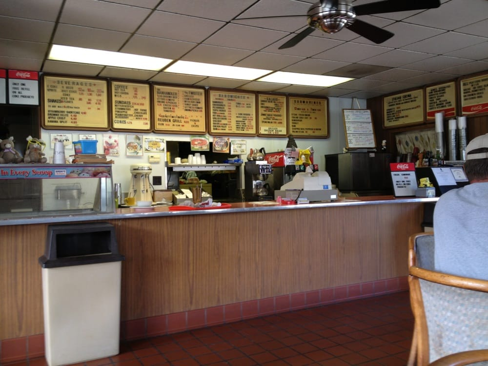 Gene's Family Restaurant: 15609 McMullen Hwy SW, Cumberland, MD