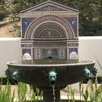 'Photo of The Getty Villa - Pacific Palisades, CA, United States' from the web at 'https://s3-media2.fl.yelpcdn.com/bphoto/bpgxhTX2m5nZ3mAt-lnAvw/348s.jpg'