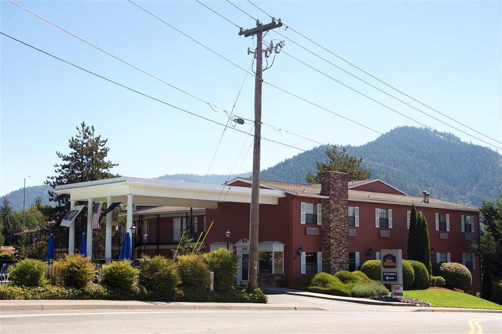 Best Western Grants Pass Inn: 111 NE Agness Ave, Grants Pass, OR