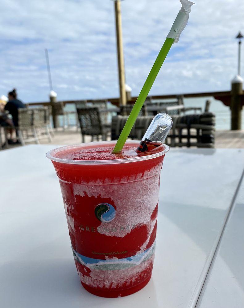 Holiday Isle Tiki Bar: 84001 Overseas Hwy, Islamorada, FL