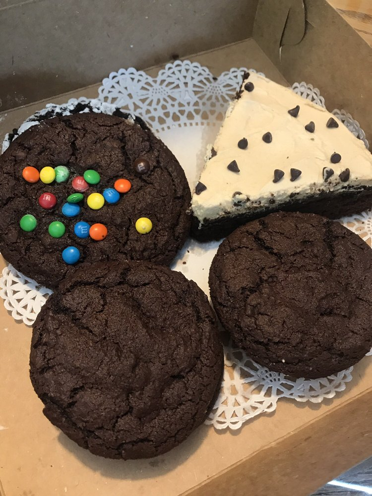 Finger Lakes Cookie Company: 94 Main St, Geneseo, NY
