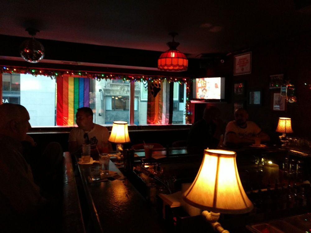 Second Story Bar: 157 E Ohio St, Chicago, IL
