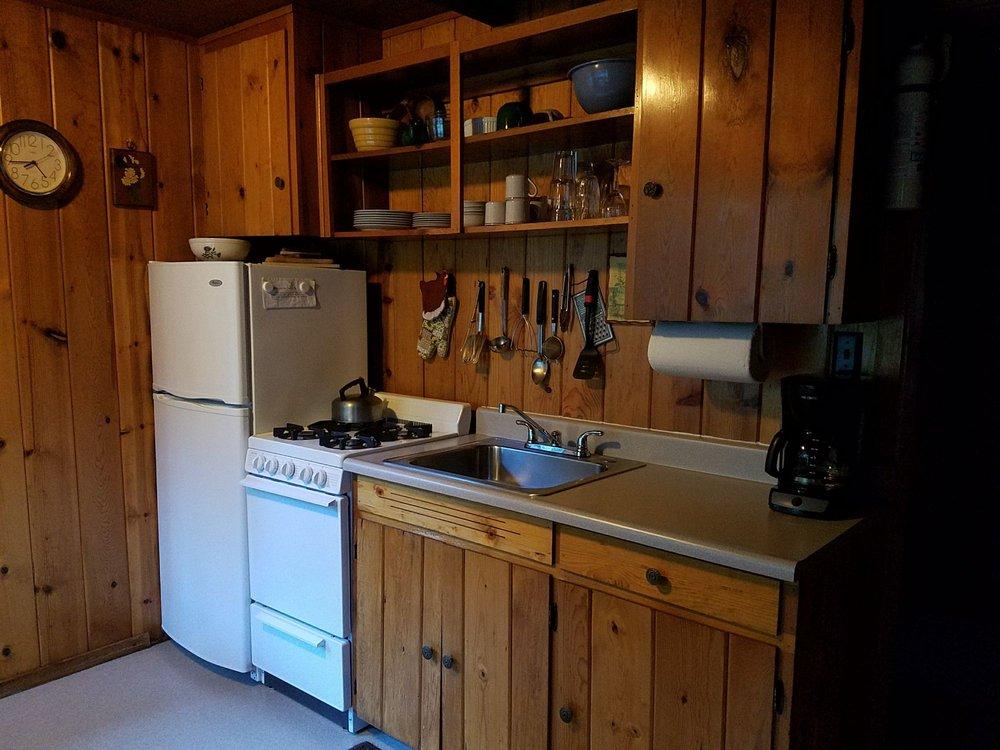 Ripple Creek Cabins: 1450 Eagle Creek Lp, Trinity Center, CA