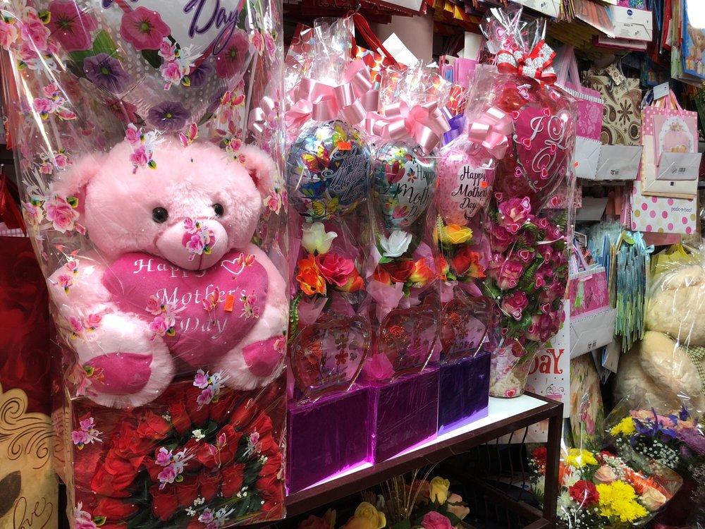 Fulton Florist & Party Supplies: 393B Fulton Ave, Hempstead, NY
