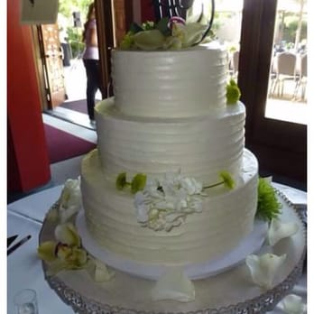 wedding cakes visalia ca gourmet desserts amp wedding cakes bakeries 110 s church 25885