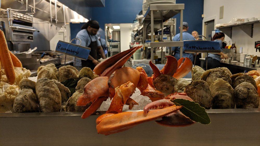 Blu Point Seafood Co: 123 W Beverley St, Staunton, VA