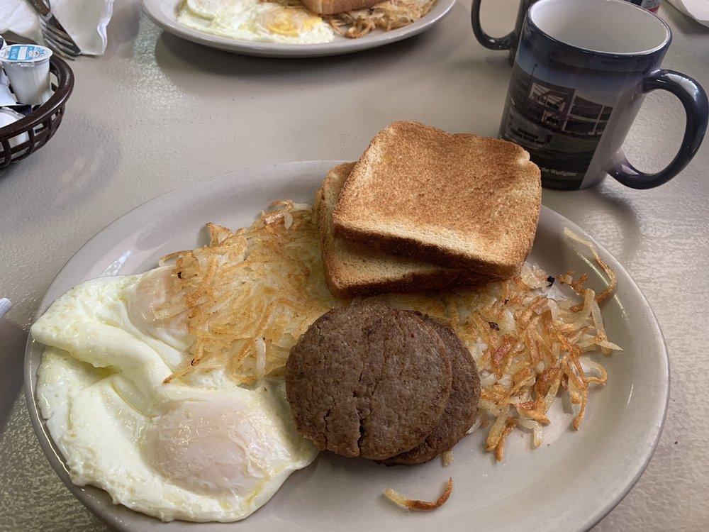 Dee's Restaurant: Highway 277 S, Vernon, FL