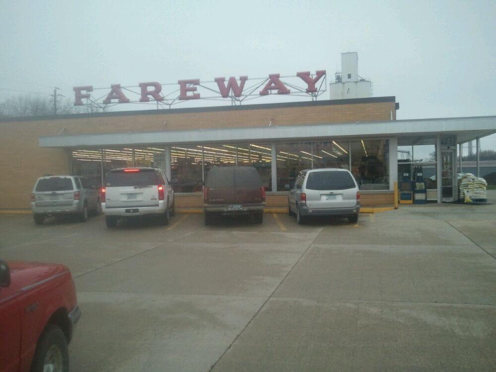 Fareway: 2008 12th St, Emmetsburg, IA