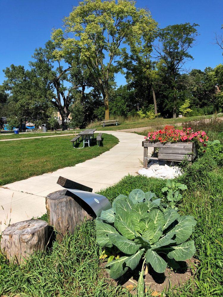 Frogtown Farm: 941 Lafond Ave, Saint Paul, MN