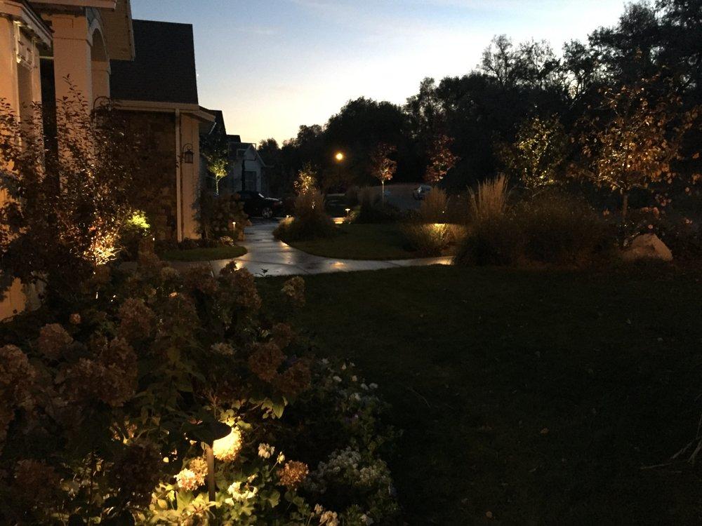 Aurora Landscape Lighting: Thousand Oaks, CA