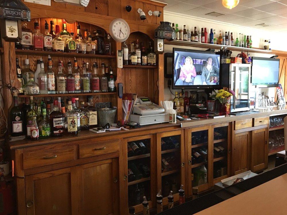 Sunset Bar & Grill: 444 Rte 115, Saylorsburg, PA