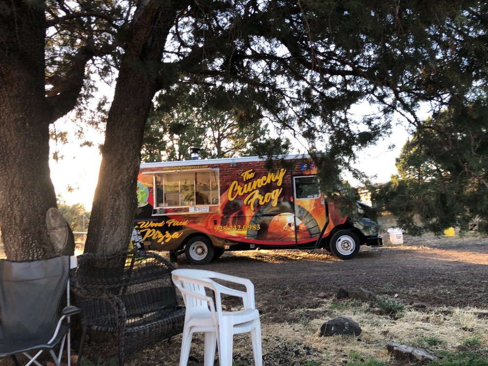 The Crunchy Frog Pizza: 1058 Burton Rd, Show Low, AZ