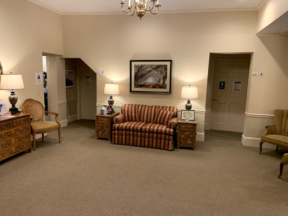 Christopher Mitchell Funeral Homes: 21 West Ave, Albion, NY
