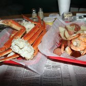 Desposito s seafood restaurant 11 photos 24 reviews for Fish market savannah ga