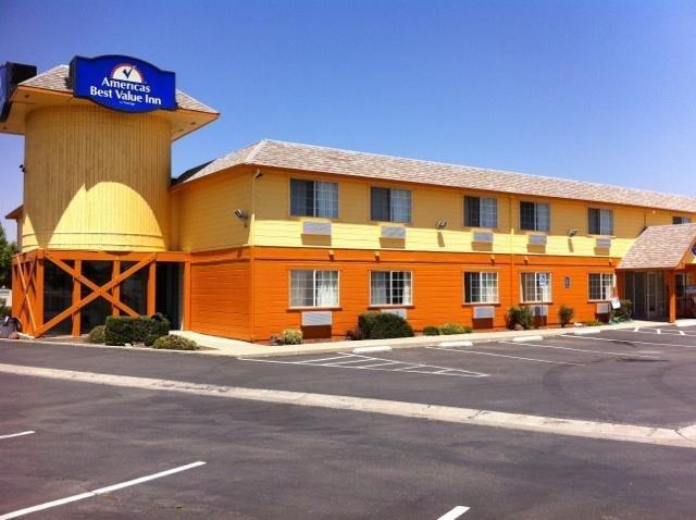 Americas Best Value Inn Dunnigan: 3930 County Road 89, Dunnigan, CA