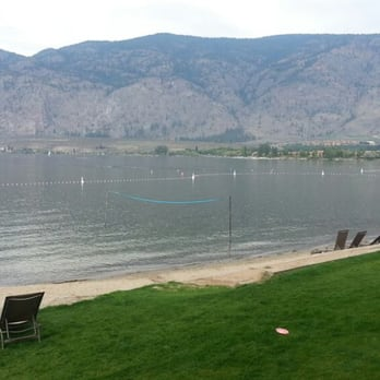 Photo Of Holiday Inn Hotel Suites Osoyoos Bc Canada Room