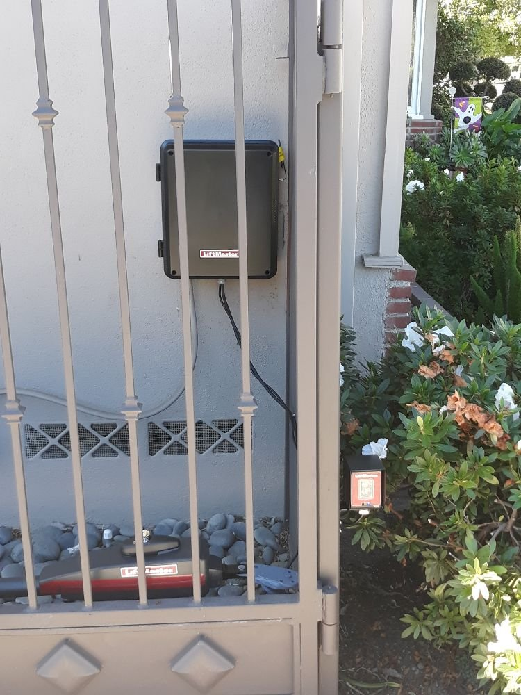 Assured Garage Doors: Azusa, CA
