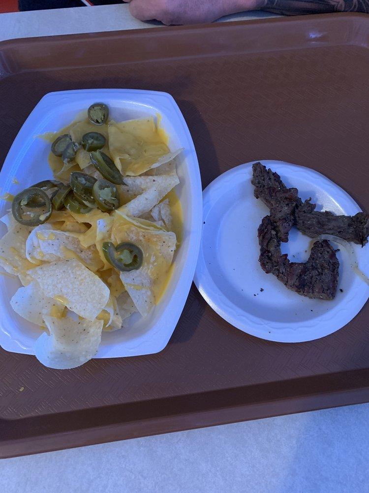 Chiquita's: 703 Highway 71 N, Mena, AR