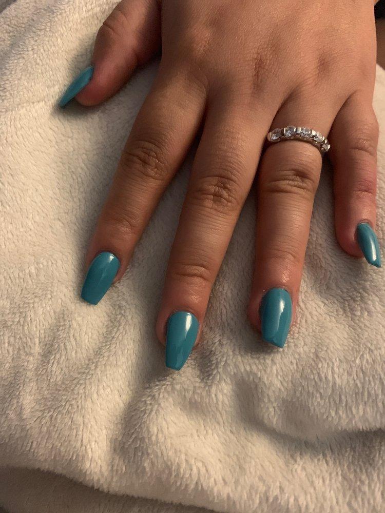Pretty Nails Spa: 114 N Vine St, Urbana, IL