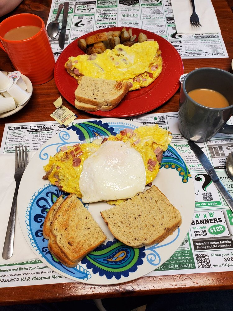 Lori's Corner Kitchen: 630 Hamlin Hwy, Lake Ariel, PA