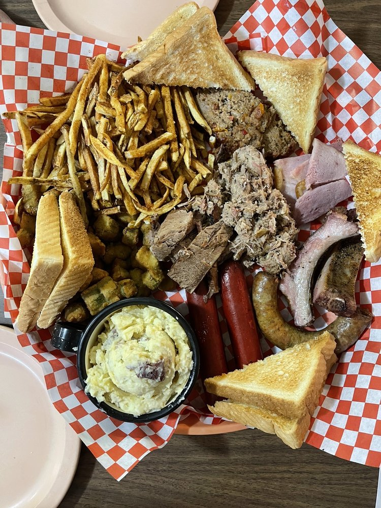 Loves Texas Style Bbq & Steakhouse: 14211 US Hwy 287, Chillicothe, TX